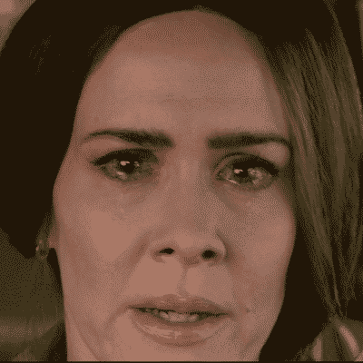 Sarah Paulson's Scared face in Bird Box, a horror movie on Netflix being reviewed by Horror Movie Talk