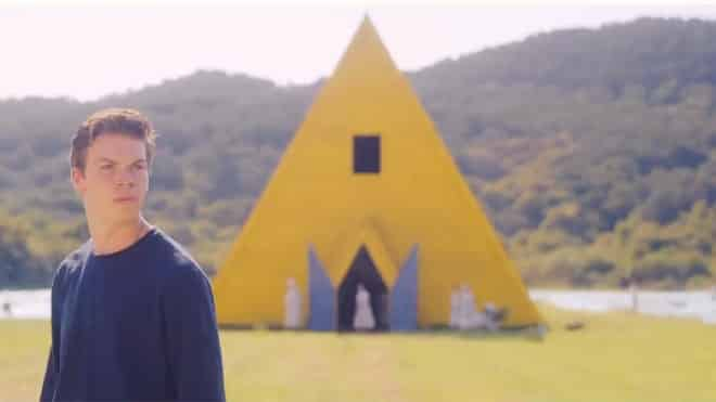 The yellow temple in Midsommar festival movie