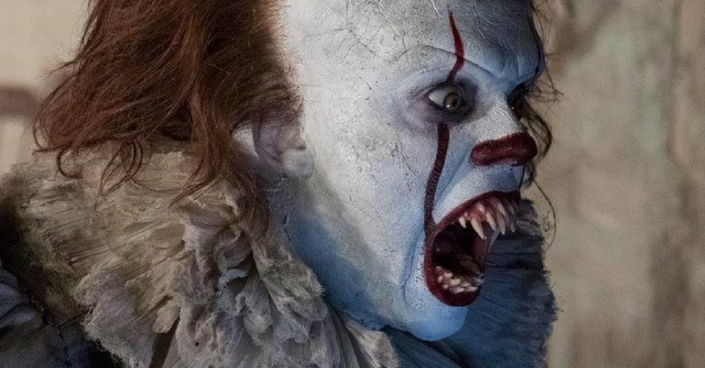 Pennywise the clown with crazy pointy teeth
